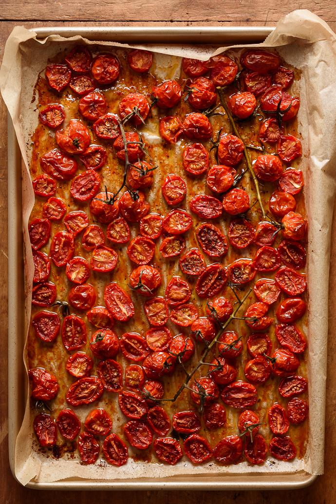 easy slow roasted tomatoes via forkknifeswoon.com