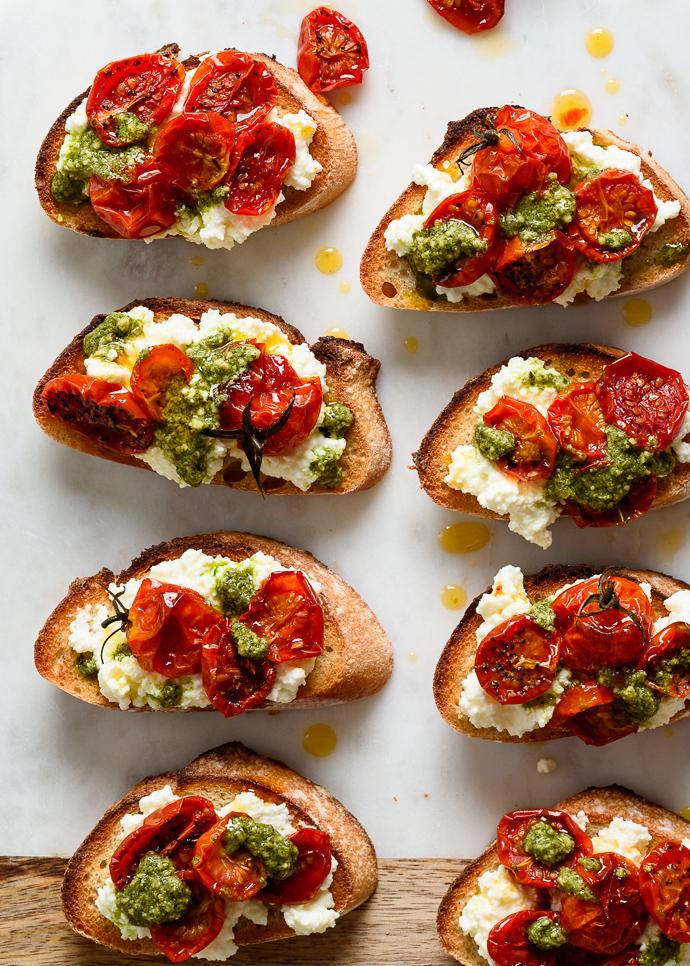 easy slow roasted tomatoes on crostini via forkknifeswoon.com