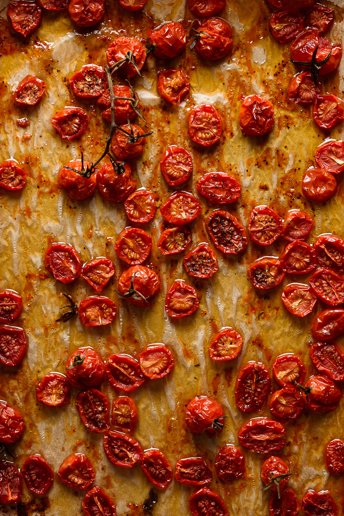 easy slow roasted tomatoes via forkknifeswoon.com