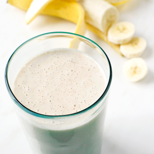 Banana Almond Smoothie | Fork Knife Swoon