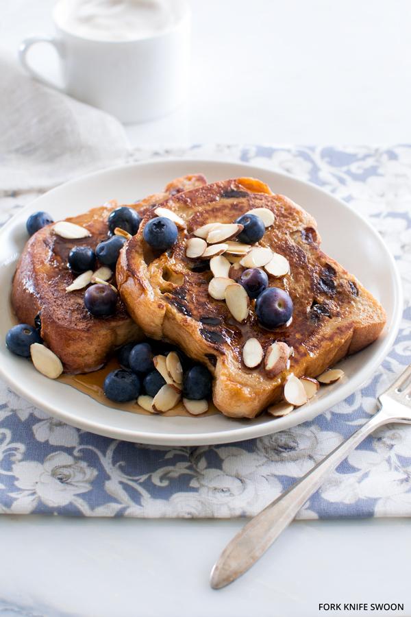 Cinnamon Raisin French Toast with Berries and Almonds | Fork Knife Swoon