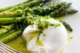 Quick Roasted Asparagus with Burrata and Gremolata | Fork Knife Swoon