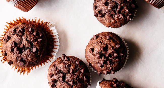 One Bowl Dark Chocolate Banana Muffins