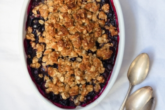 Blackberry and Blueberry Crumble | Fork Knife Swoon