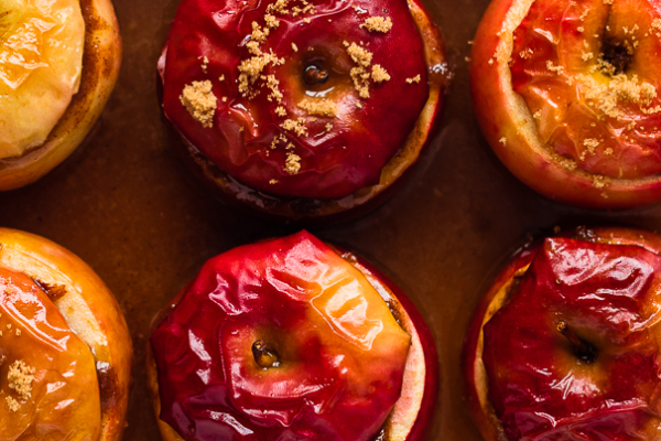 Cider Baked Apples with Cinnamon Brown Sugar Hazenut Crumble | Fork Knife Swoon @forkknifeswoon