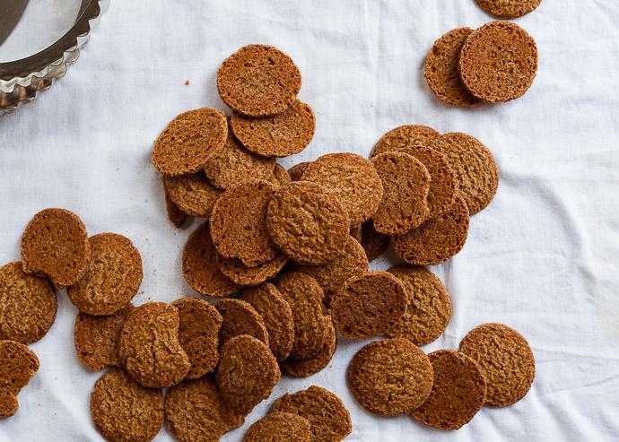 gingersnap cookies via forkknifeswoon.com