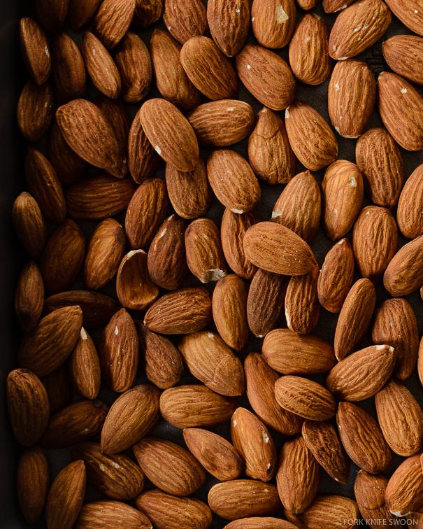 Salted Dark Chocolate Almond Bark | Fork Knife Swoon @forkknifeswoon