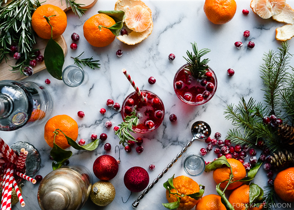 #AbsolutWarhol Rosemary Infused Citrus and Cranberry Holiday Pop Cocktail | Fork Knife Swoon @forkknifeswoon