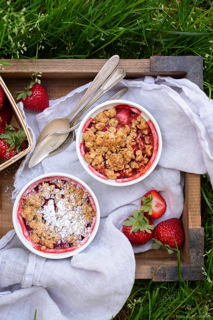 Mini Individual Strawberry Oat Crumbles | Fork Knife Swoon @forkknifeswoon