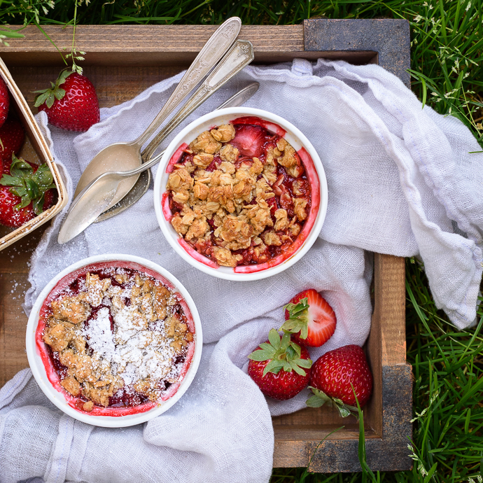 Mini Individual Strawberry Crumbles | Fork Knife Swoon @forkknifeswoon
