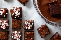 Holiday Peppermint Bark Brownie Bites via forkknifeswoon.com