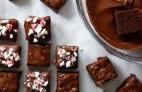 Holiday Peppermint Bark Brownie Bites via forkknifeswoon.com