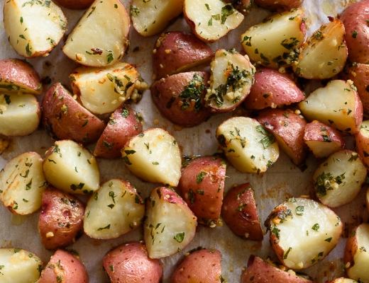 Crispy Garlic-Parmesan Roasted Red Potatoes. These are SO easy and delicious! via forkknifeswoon.com