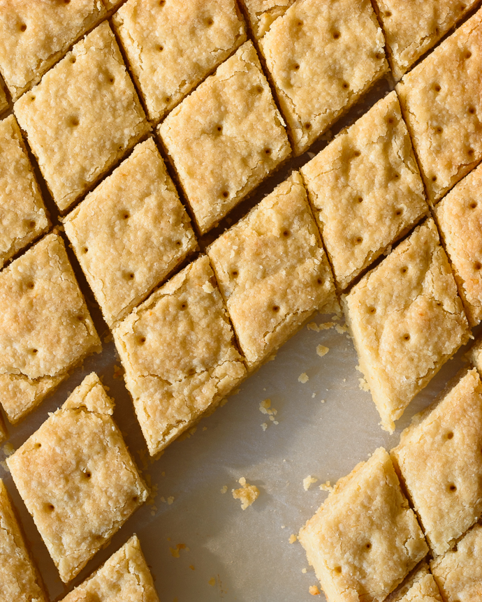 Easy and addictive Buttery Lemon Shortbread Squares via forkknifeswoon.com