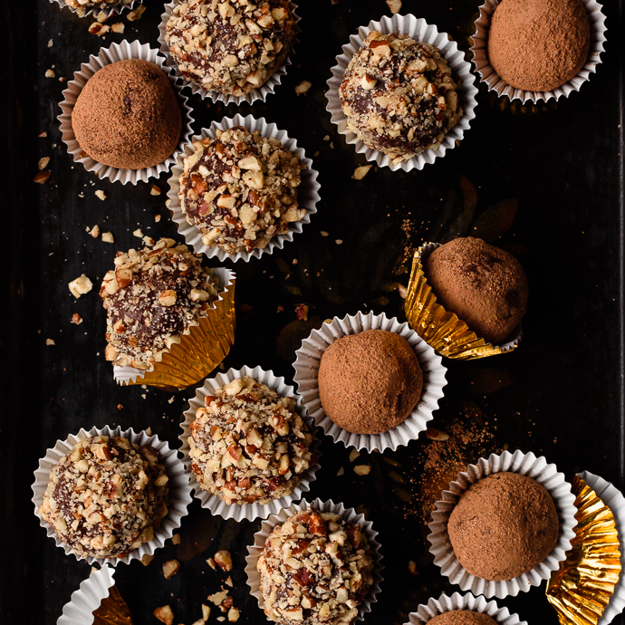 Creamy Dark Chocolate Whiskey Truffles via forkknifeswoon.com