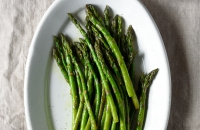Quick Garlic Sautéed Asparagus - an easy, healthy, versatile Spring side dish that's ready in less than 15 minutes. via forkknifeswoon.com