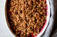 Whole Grain Strawberry Oat Crumble | via forkknifeswoon.com