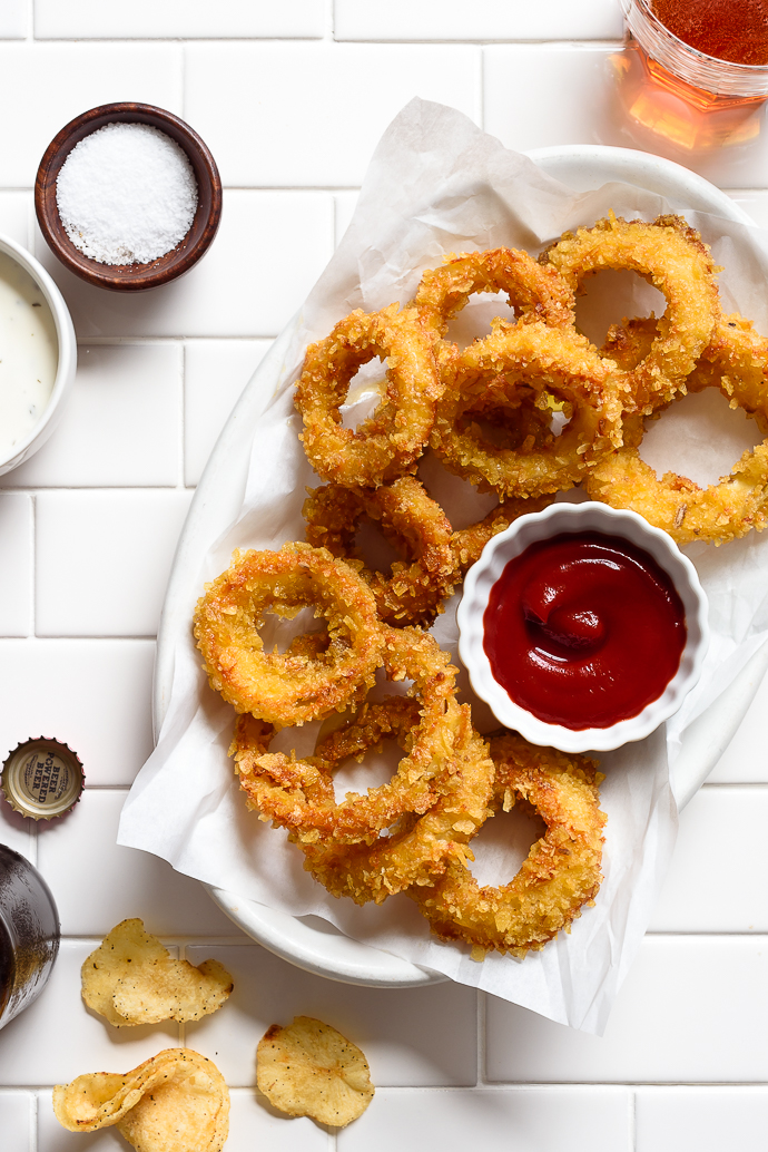 Perfectly Crispy Potato Chip Crusted Baked Onion Rings   via forkknifeswoon.com