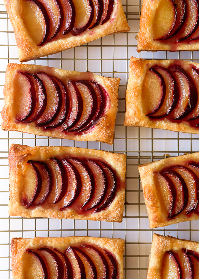 Easy Maple Plum Puff Pastry Tarts | via forkknifeswoon.com