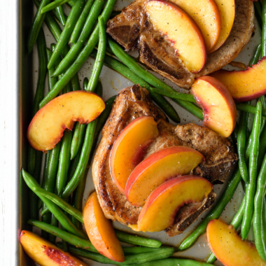 Juicy Baked Pork Chops with Peaches and Green Beans   via forkknifeswoon.com @forkknifeswoon
