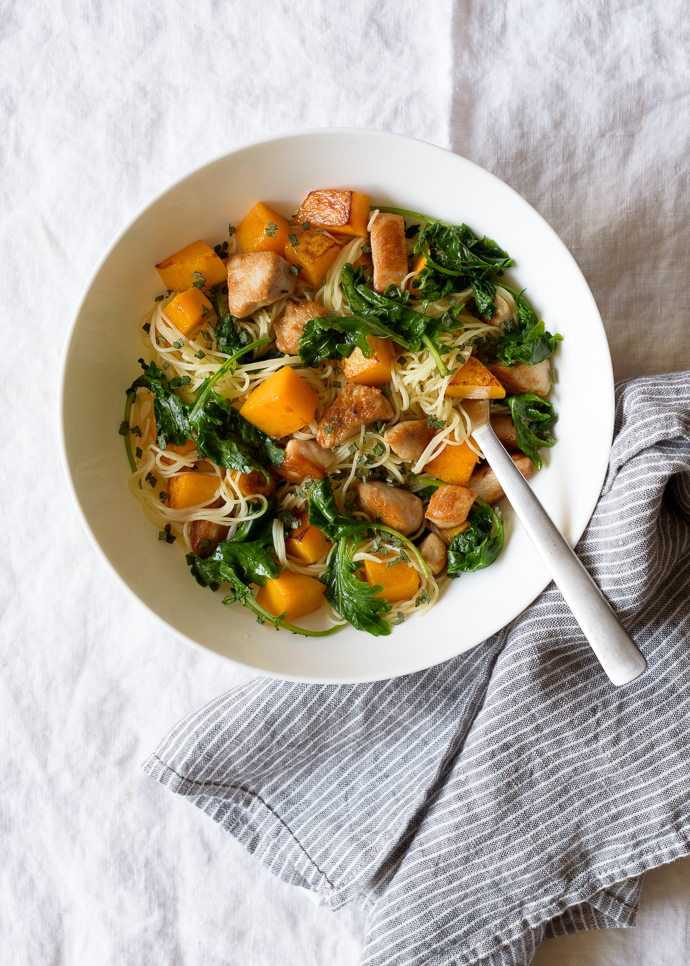 Easy Maple Butternut Squash and Chicken Pasta with Kale   via forkknifeswoon.com @forkknifeswoon