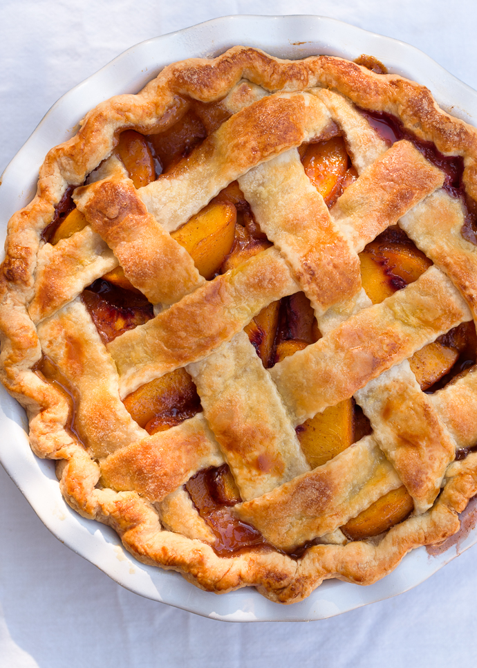 Rustic Brown Sugar Peach Pie with an All-Butter Crust | via forkknifeswoon.com @forkknifeswoon