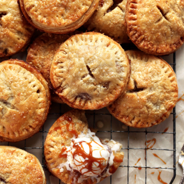 Ginger Pear Hand Pies via forkknifeswoon.com