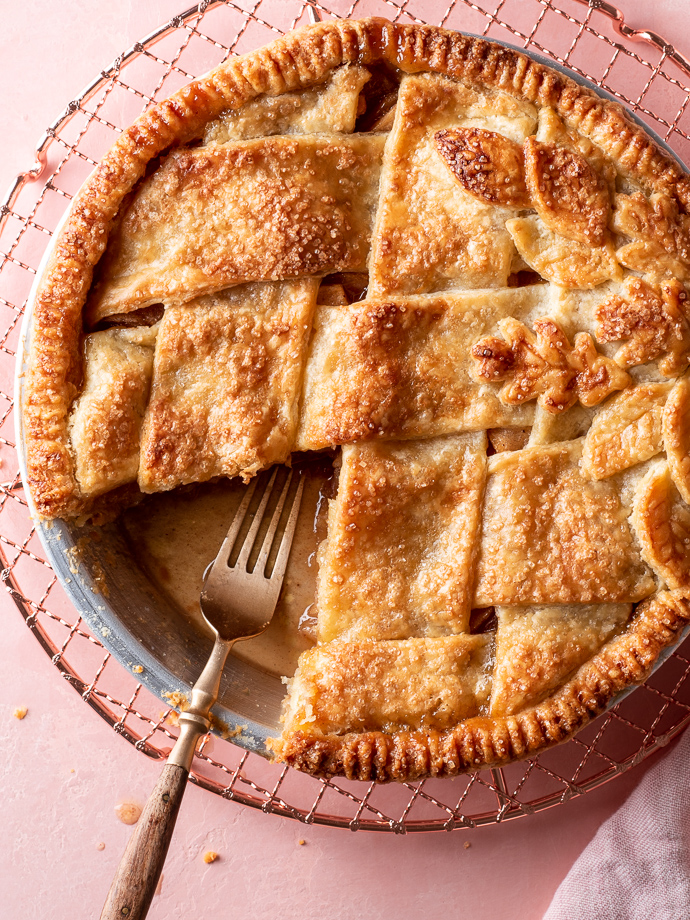 classic apple pie recipe from forkknifeswoon.com