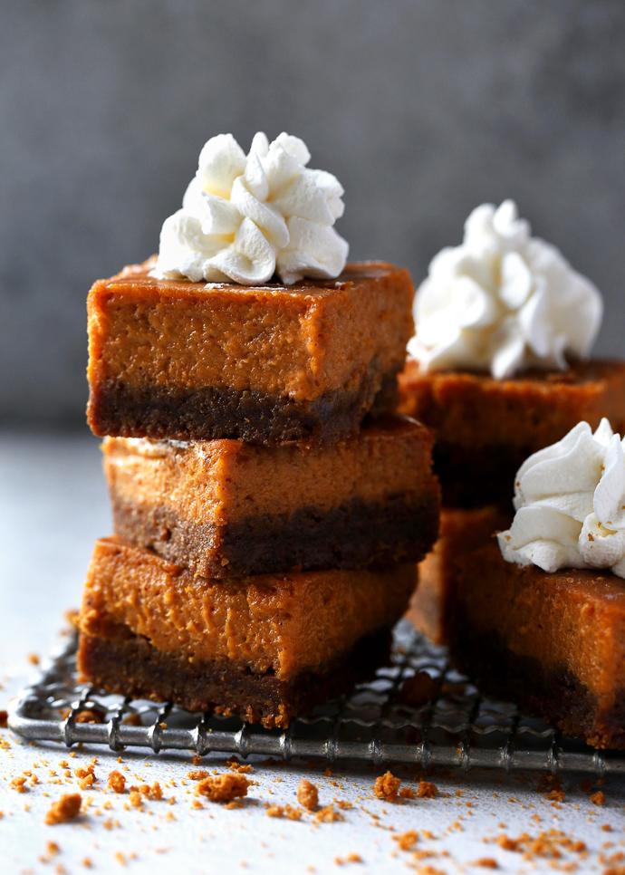 gingersnap pumpkin pie bars via forkknifeswoon.com